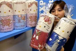 Hello Kitty Tiolet Rolls