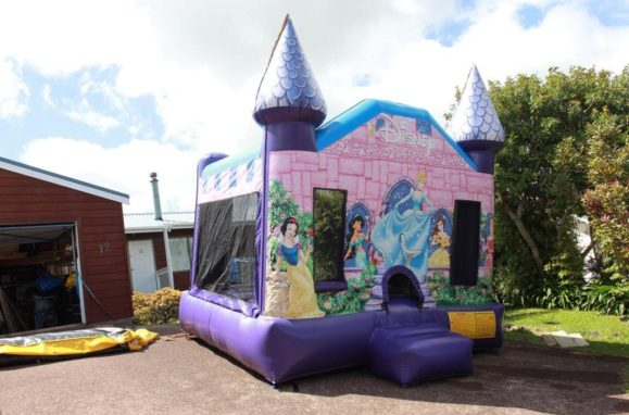 Bouncy castles and how to use them in a party