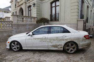 Selling damaged cars